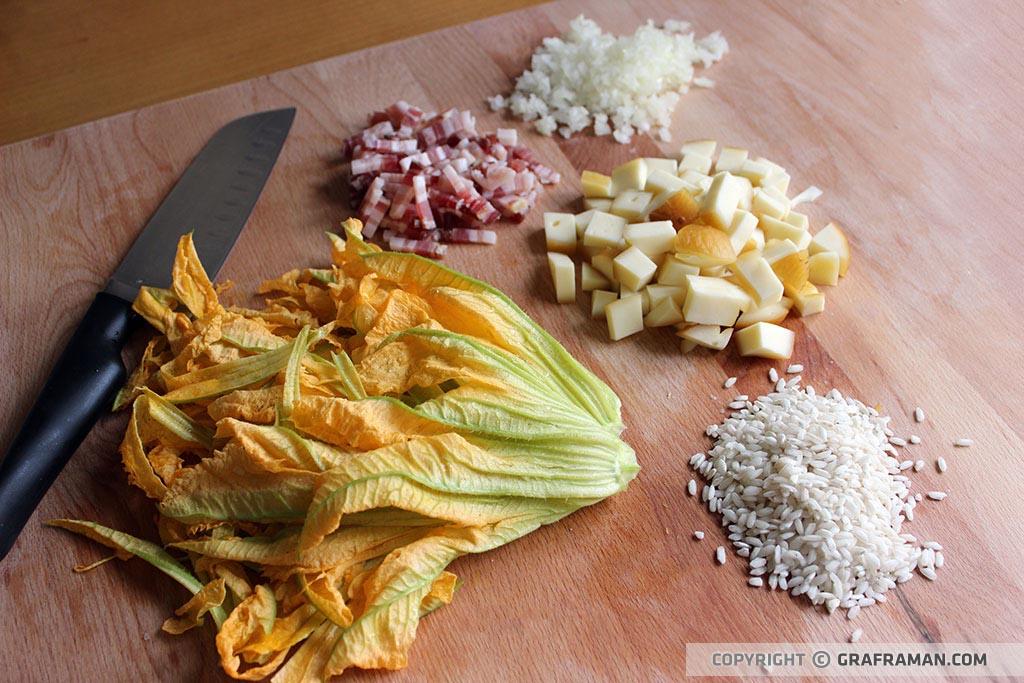 Risotto con fiori di zucca, pancetta e provola affumicata