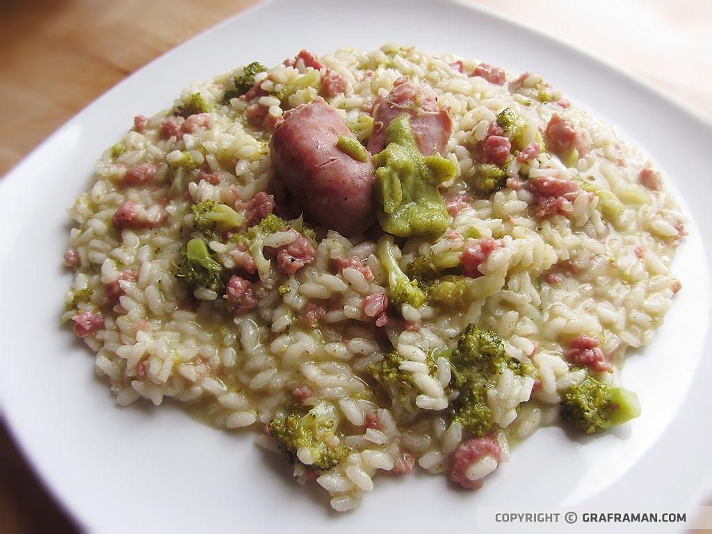 Risotto con salsiccia e broccoletti