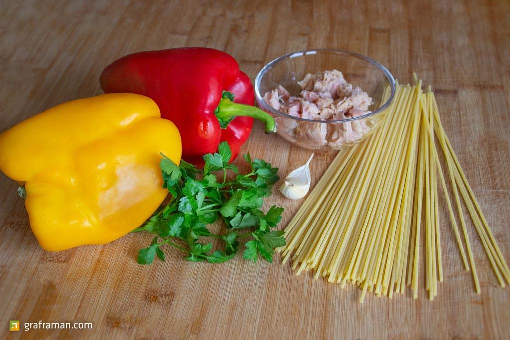 Spaghetti tonno e peperoni