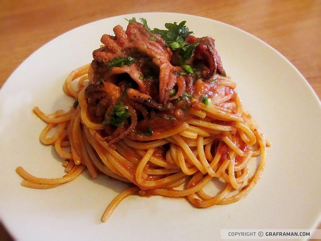 Spaghetti al sugo di ''purpetiell' affugat''